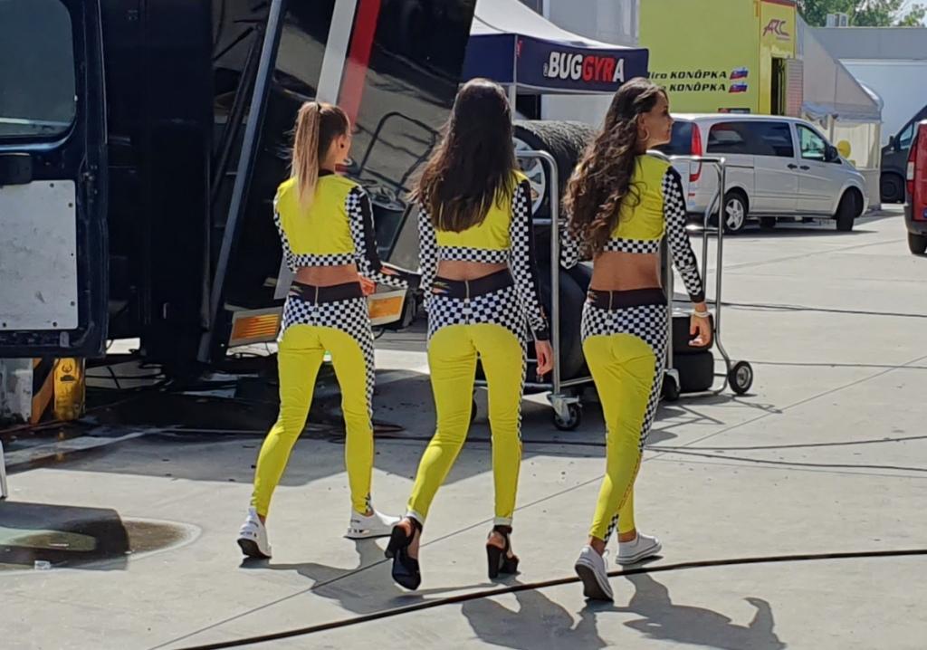 9.-SK-Girls